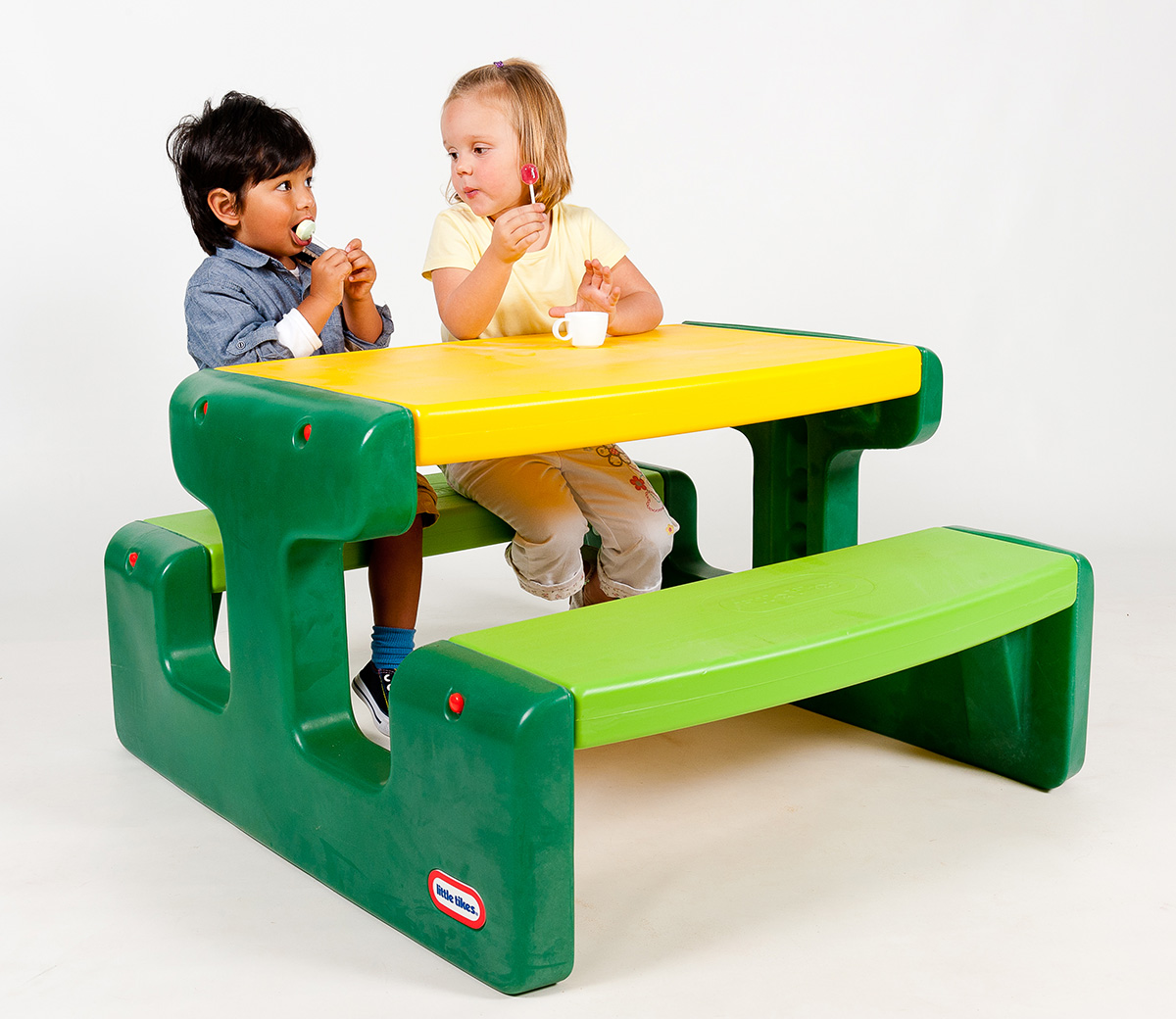 Large-Picnic-Table-Evergreen-1