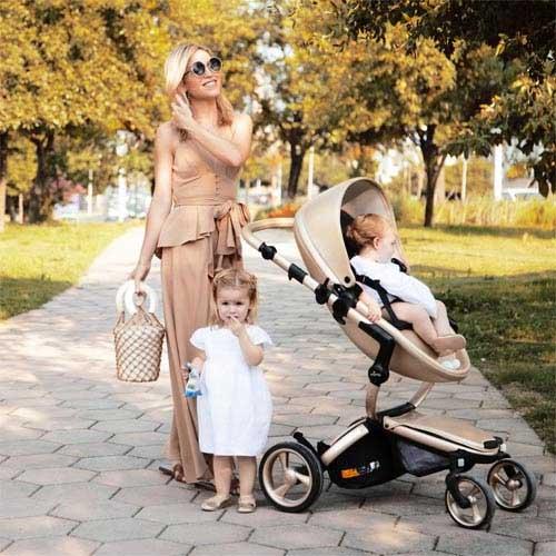 Mima-Kids-USA-Xari-Stroller-Lifestyle-1