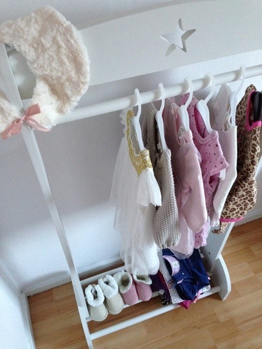kids-concept-kids-concept-child-s-wardrobe-with-a-star