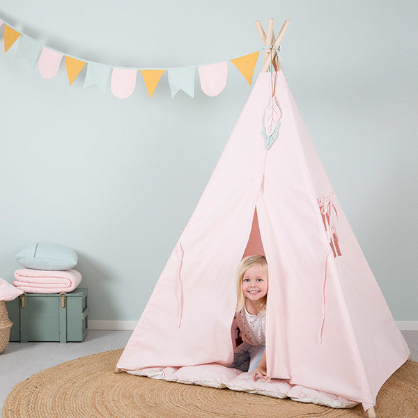 little-dutch-teepee-pink-with-playmat-and-garland