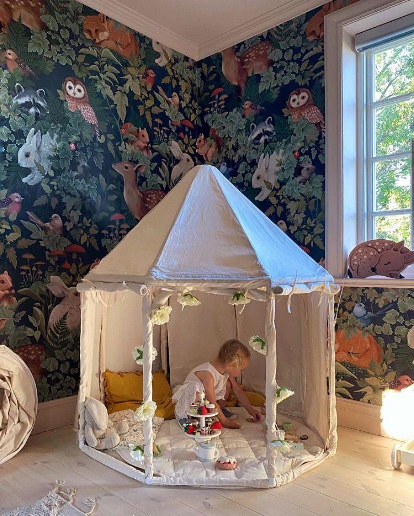 montessori tent