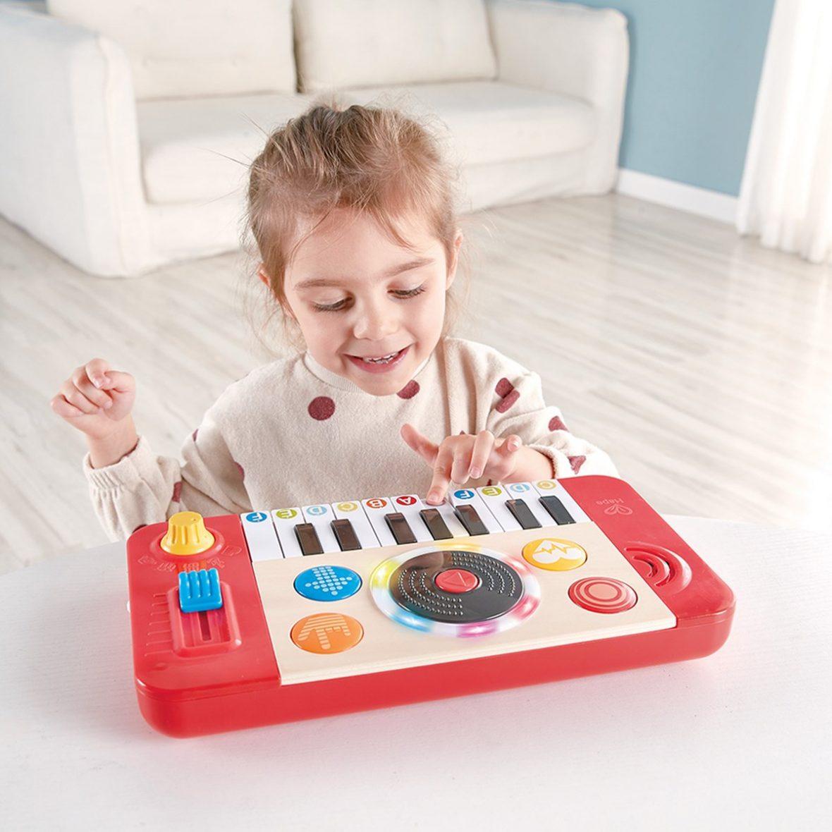 Ξύλινο DJ Mix & Spin Studio